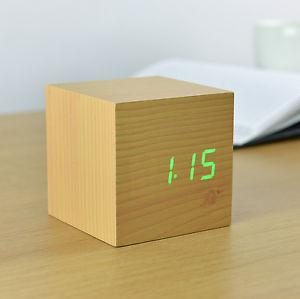 Cube Beech Click Clock Green LED