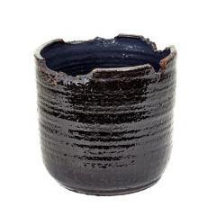 Irregular Rim Black Pot