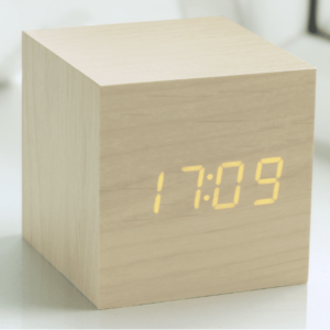 Cube Maple Click Clock Amber LED
