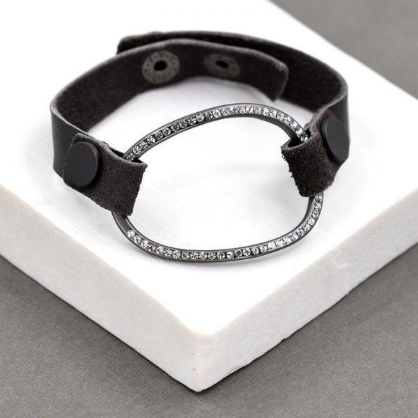 Organic shaped Open Circle Pendant Bracelet with Stud Fastening