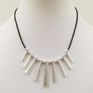 Geometric Drop Short Necklace