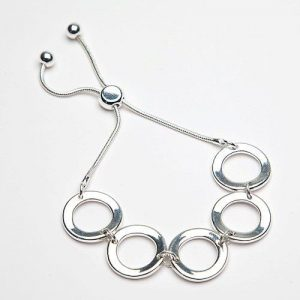 Simple Silver Ring Bracelet with Pull Fastening