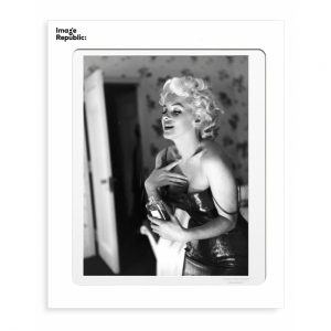 Marilyn with Chanel No 5 Photographic Print 30x40cm