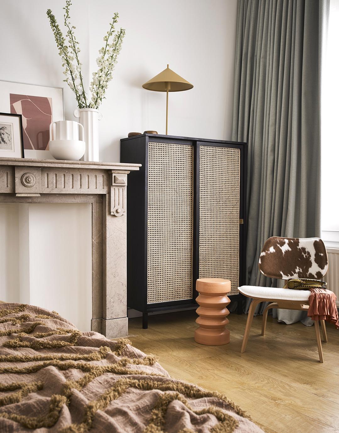 Black Handmade Webbing Sliding Door Cabinet