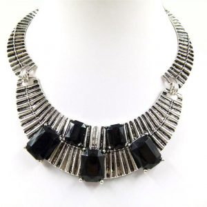 Ribbed Collar Necklace with Statement Stone