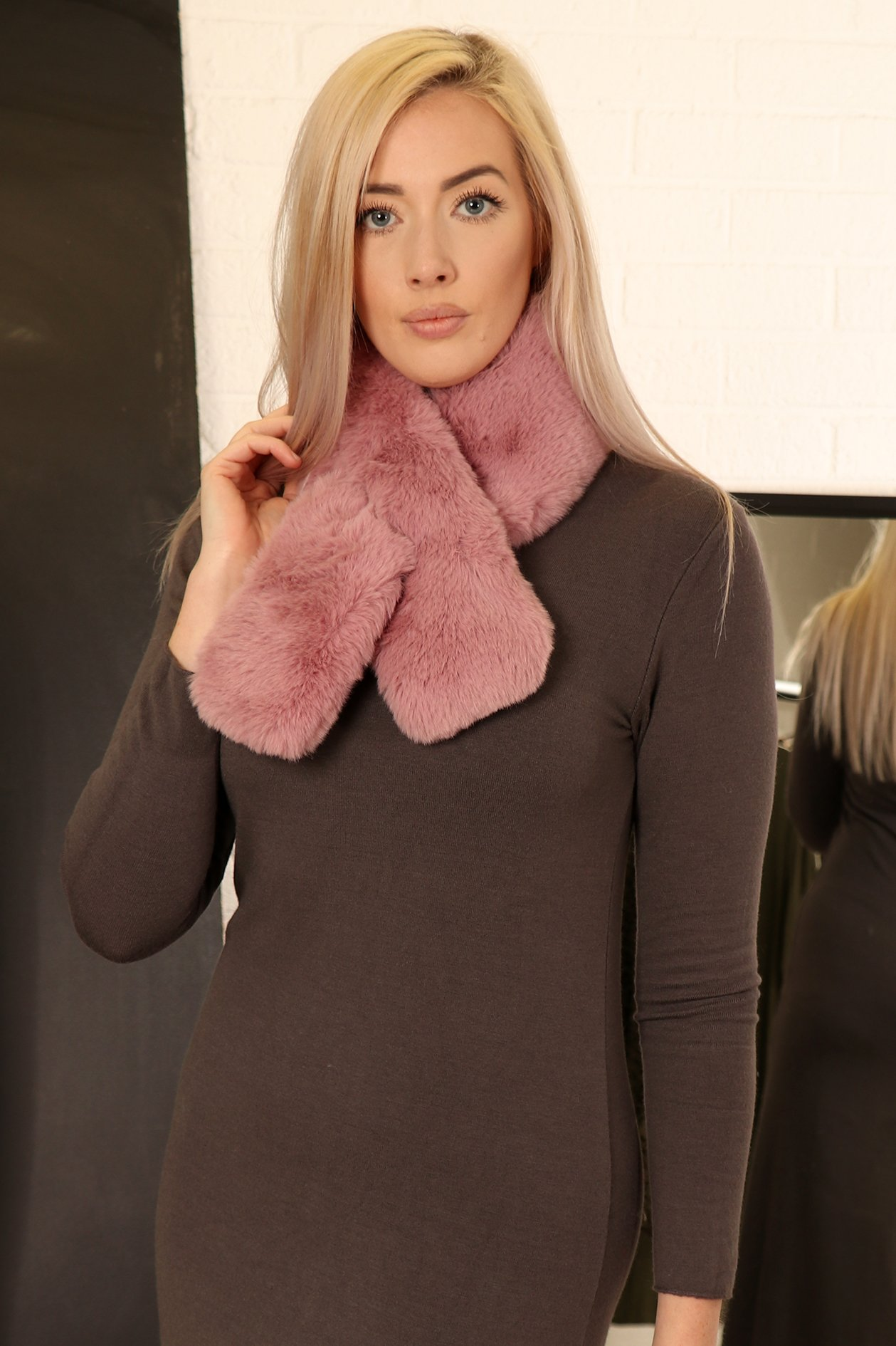 Rust Pink Faux Fur Collar