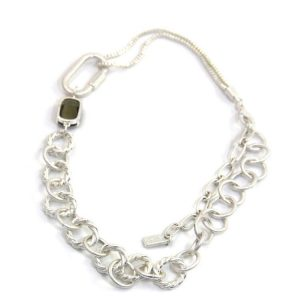 Envy Short Loop Silver Necklace with Crystal Stone